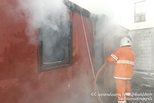 В селе Сараарт сгорел вагон-дом