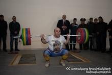 Firefighter Zorik Poghosyan set a new record